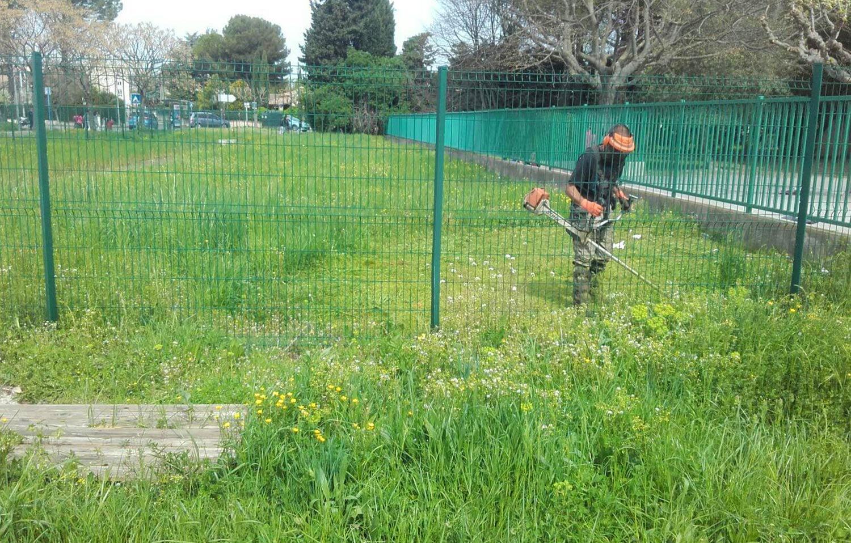 SOLEV dans le Vaucluse, entretien de jardin particulier, débroussaillage