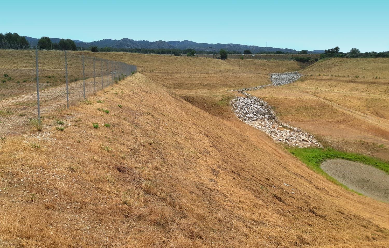 SOLEV intervient pour la maitrise de la végétation aux abords des infrastructures ferroviaires et routières.